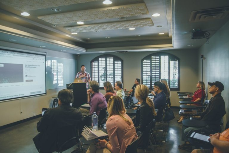 How Could Your Business Utilize Live Classroom Software?