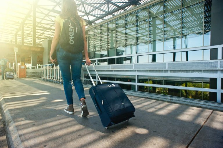 5 Best Gadgets to Take With You On Your First Business Trip